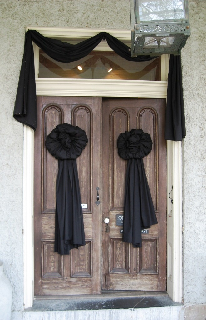 black-wreaths